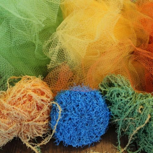 Net and yarn to make handmade dish scrubbers