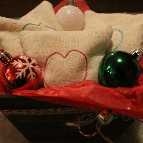 Simple Low Cost Christmas Gift - Sachets