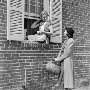 Homemaking, Homesteading & A Simple Life - Visiting with a Neighbor