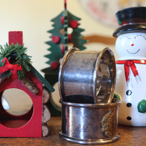 Simple Holiday Table - Napkin Rings