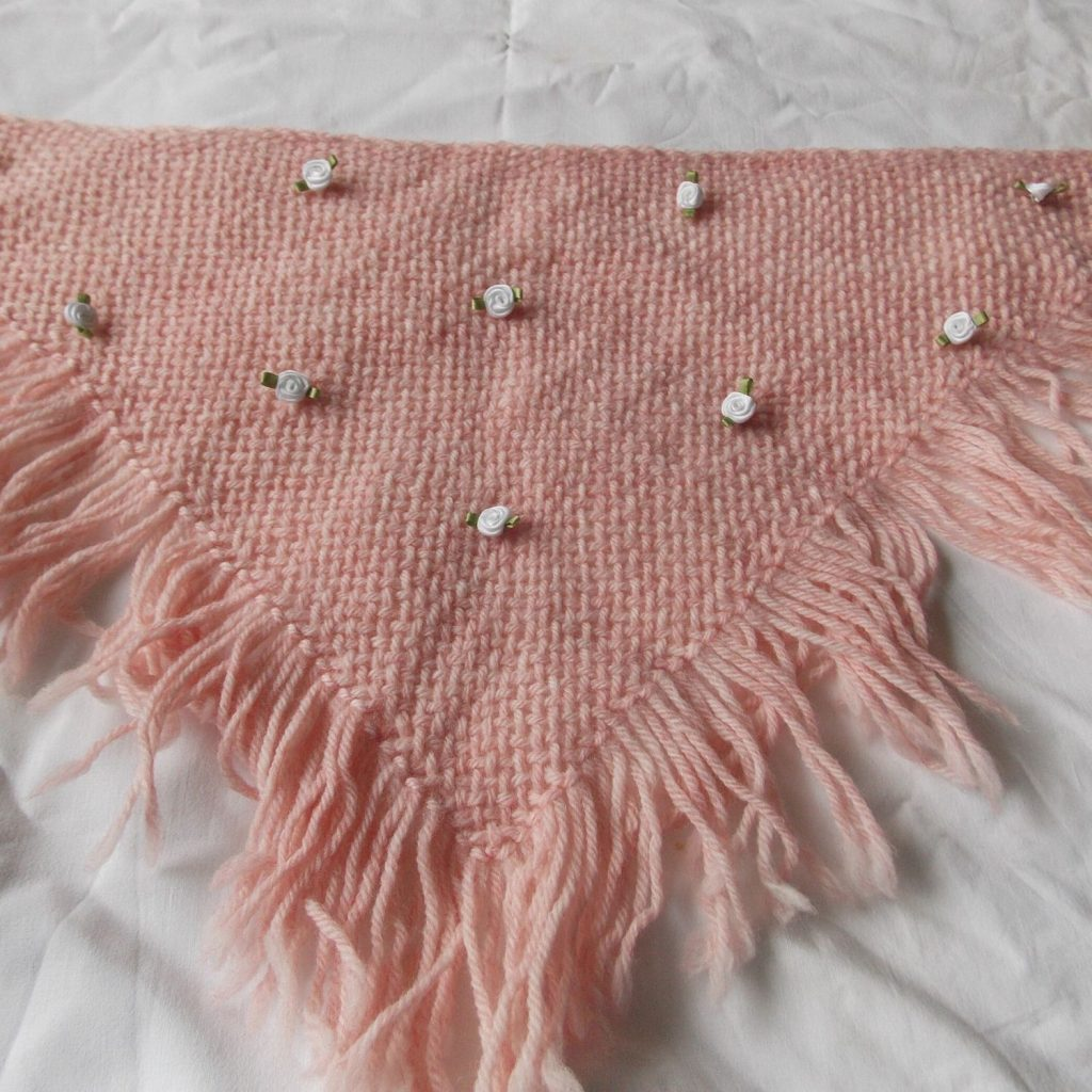 create a baby shawl as a gift