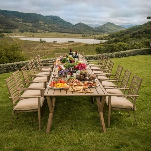 choose to dine outdoors for a pot luck