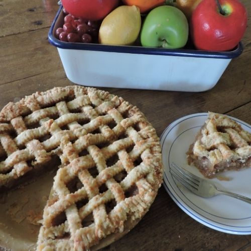 an apple pie made with a cheese crust