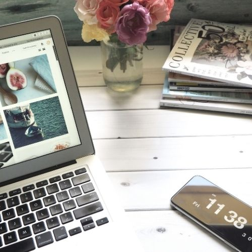 a bloggers desk - shop blogs for great gift ideas