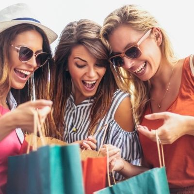 have more fun shopping with friends when you have a Black Friday Tool Kit