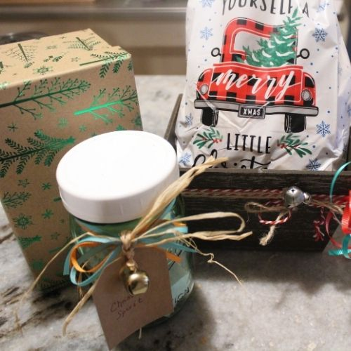 boxes, jars, bags and crates are great containers for last minute gifts
